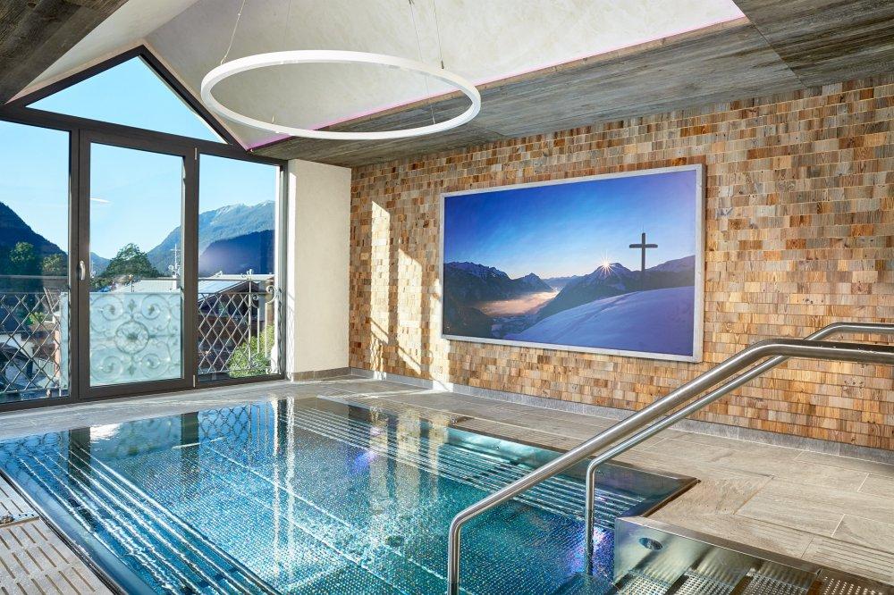 Hotel mit schwimmbad achensee wohndesign for Hotel munster mit schwimmbad